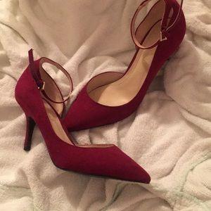 Pointed toe burgundy heels NWOT